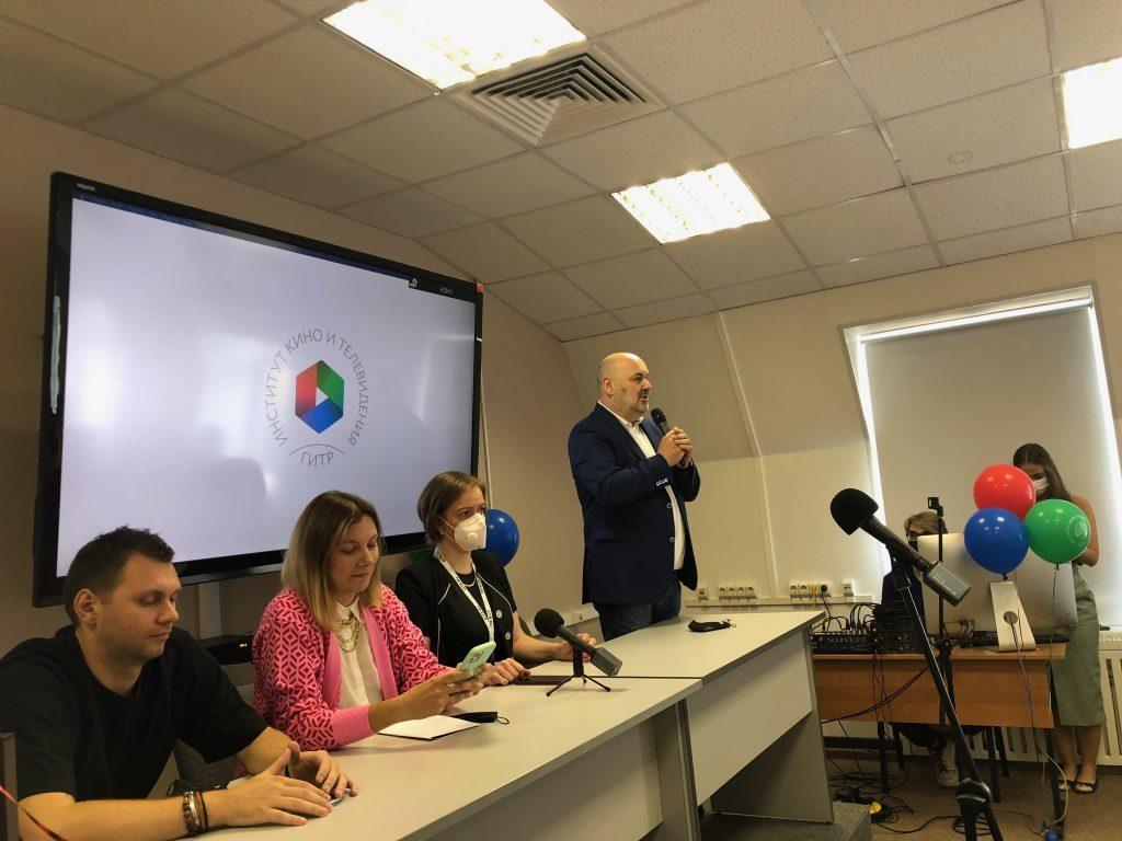 Первокурсники ГИТРа получили студенческие билеты