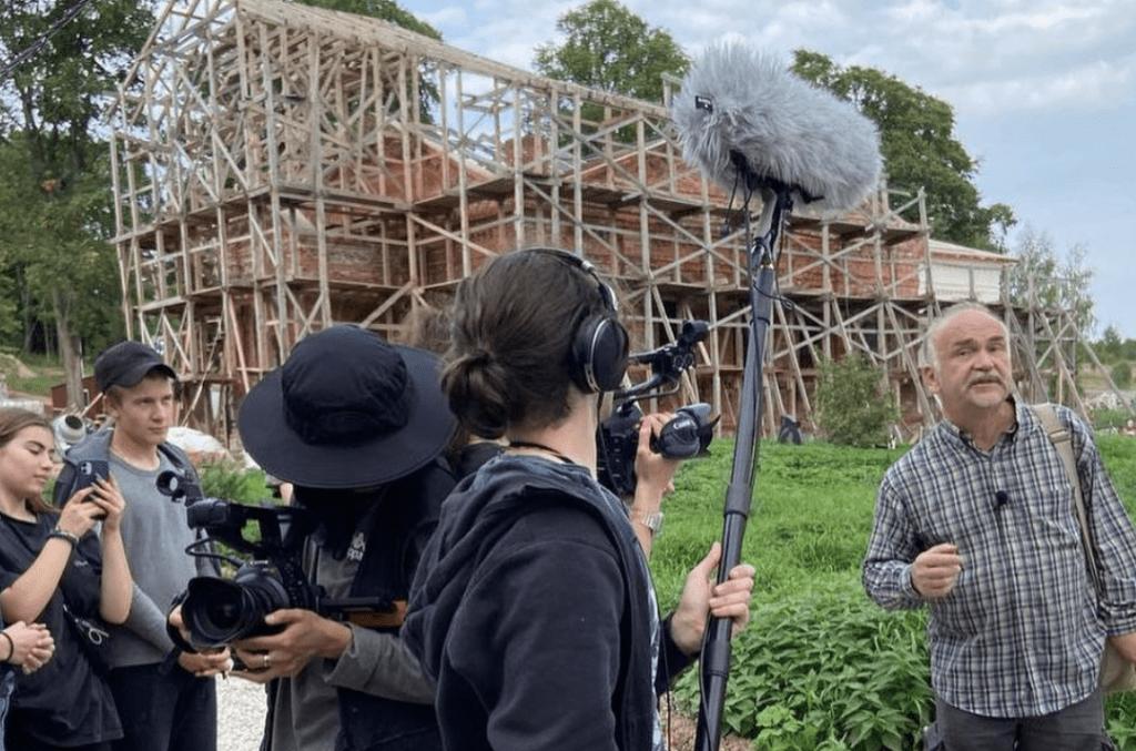 Студенты ГИТРа заканчивают съемки фильма в третьей экспедиции