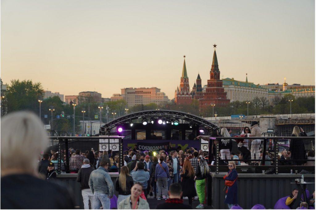 На Z.Boat по Москва-реке к Кремлю